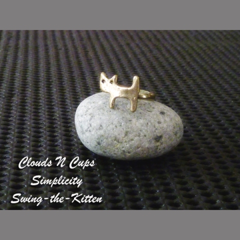 CNC-RR008 - SWING THE KITTEN (AGED BRONZE)